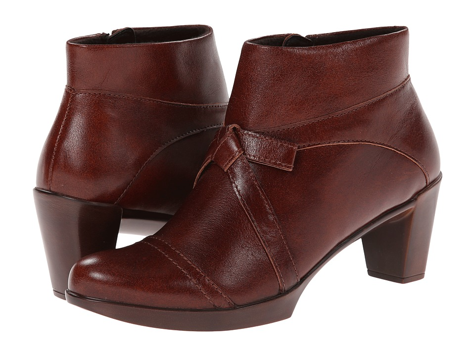 Naot Footwear - Vistoso (Luggage Brown Leather) Women