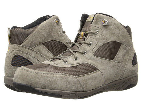 Propet - Mack (Gunsmoke/Gold) Men's Shoes