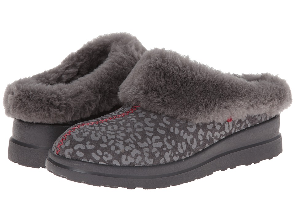 UGG - Dreams (Grey Leopard Suede) Women's Slippers