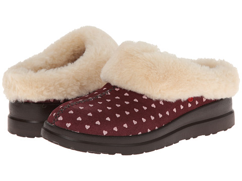 UGG - Dreams (Berry Crush Hearts Suede) Women's Slippers