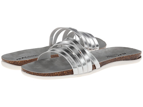 Kenneth Cole Reaction - Slim Cut (Silver SLV 6D) Women's Sandals