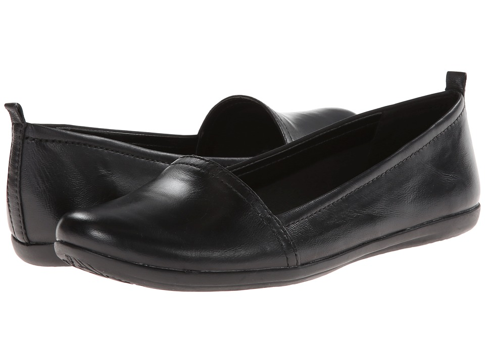 Bare Traps - Wisk (Black Leather) Women's Slip on Shoes