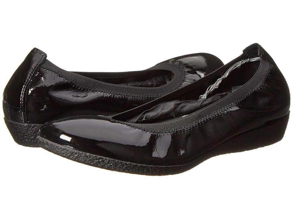 taos Footwear - Patina (Black Patent) Women's Flat Shoes