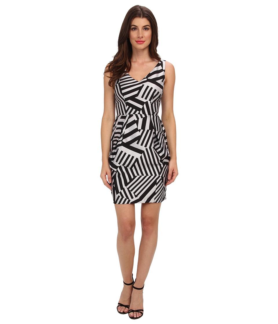 Ivy & Blu Maggy Boutique - Sleeveless V-Neck Geo Print Barrel SK (Black/Grey) Women's Dress