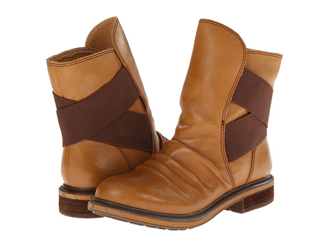 Naya - Retro (Peanut Butter Leather) Women's Pull-on Boots