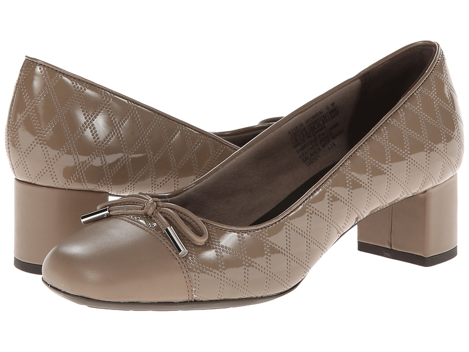Rockport - Total Motion 45 Square Quilted Cap Pump (Fossil) Women's Shoes