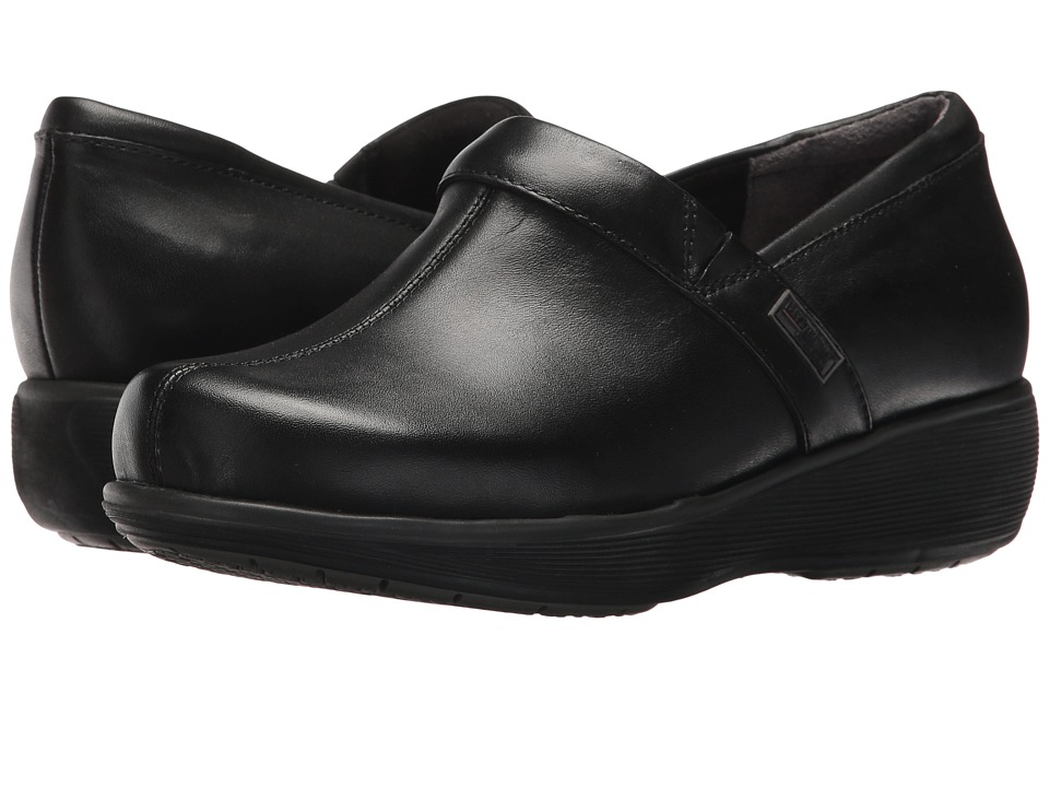 SoftWalk - Meredith (Black Box Leather) Women's Slip on Shoes