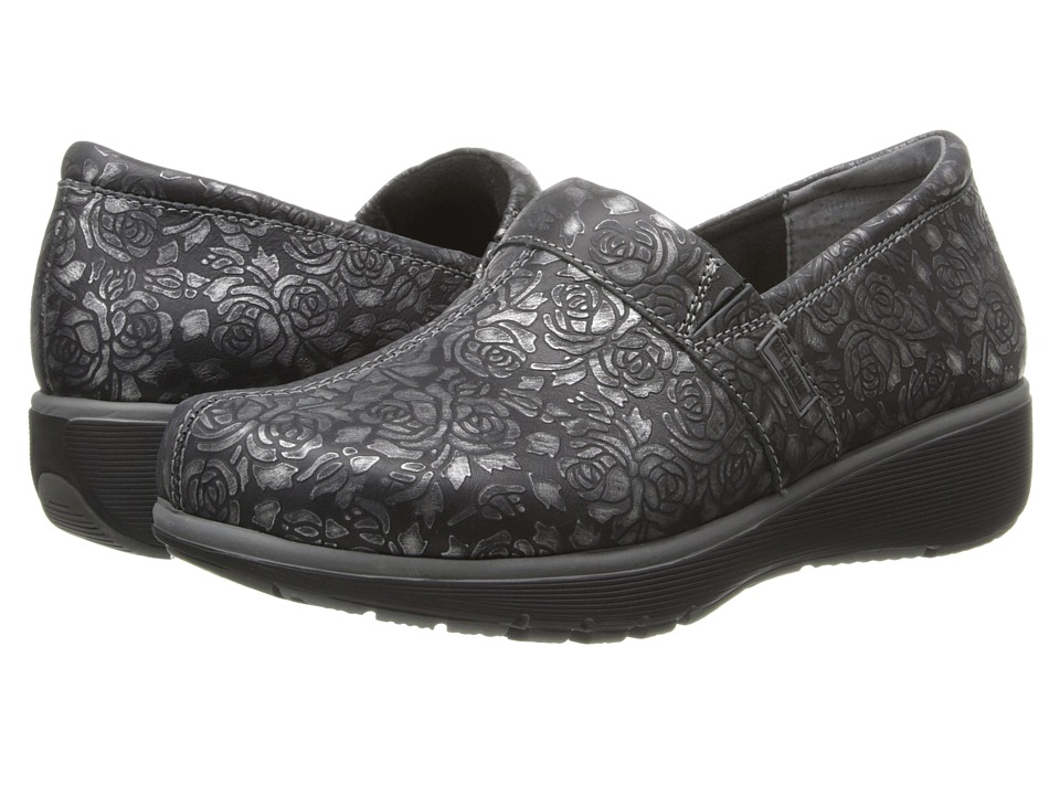 SoftWalk - Meredith (Black/Pewter Metallic Rose Embossed Leather) Women
