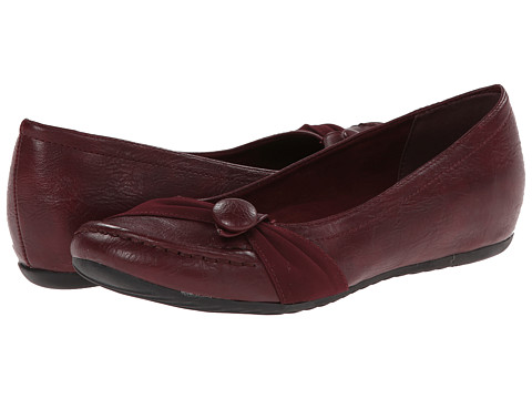 Easy Street - Cam (Berry/Suede) Women's Shoes
