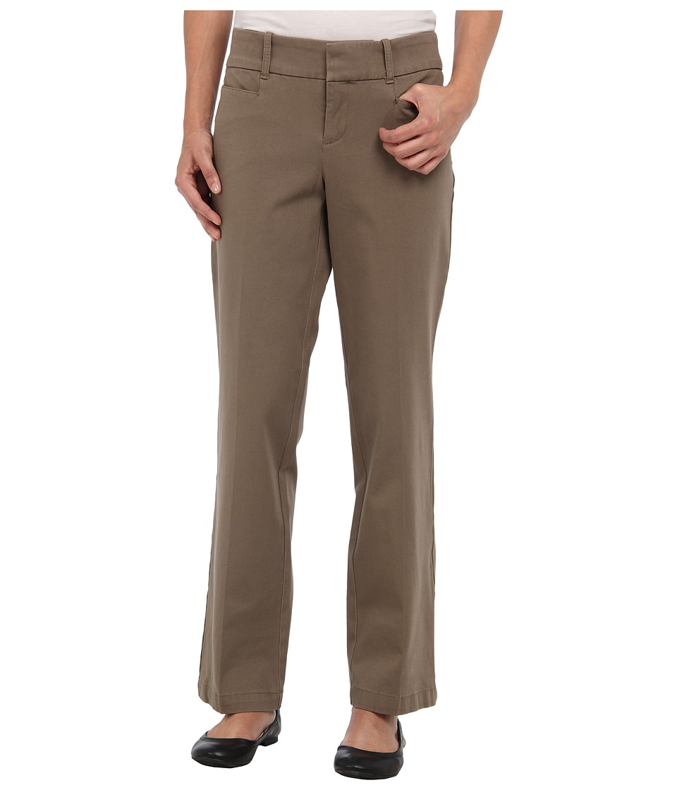 Dockers Petite - Petite The Ideal Pant (Cedar Ash) Women's Casual Pants