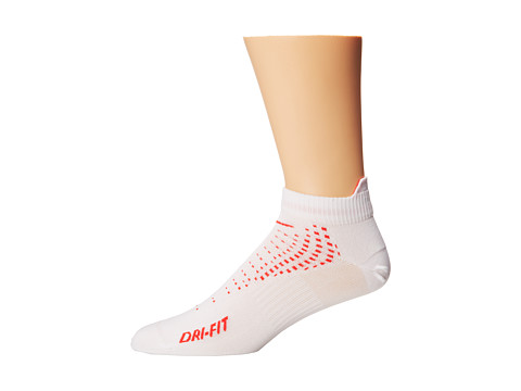 Nike - Running Anti Blister Lightweight Low Cut Tab (White/Action Red/Action Red/Action Red) Quarter Length Socks Shoes
