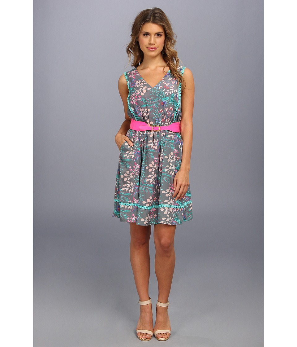 Jessica Simpson V Neck Sleeveless Dress w/ Pom Trim Womens Dress (Multi)