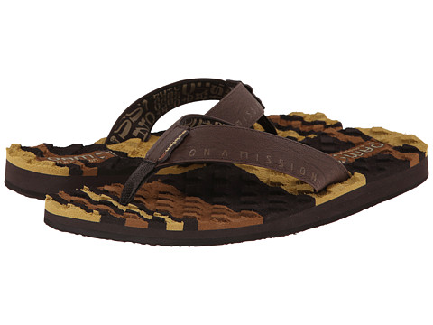 Cobian - OAM Traction Pad (Chocolate) Men's Sandals