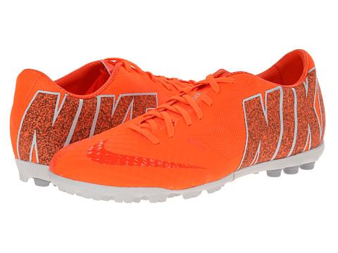 Nike - Bomba Finale II (Hyper Crimson/Wolf Grey/Hyper Crimson) Men's Soccer Shoes