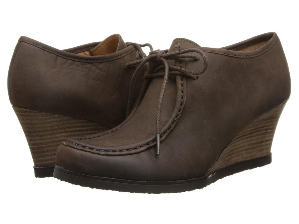 LAUREN Ralph Lauren - Denver (Dark Brown Waxy Pull Up) Women's Wedge Shoes