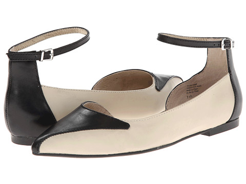 Seychelles - Most Likely (Off White/Black) Women's Flat Shoes