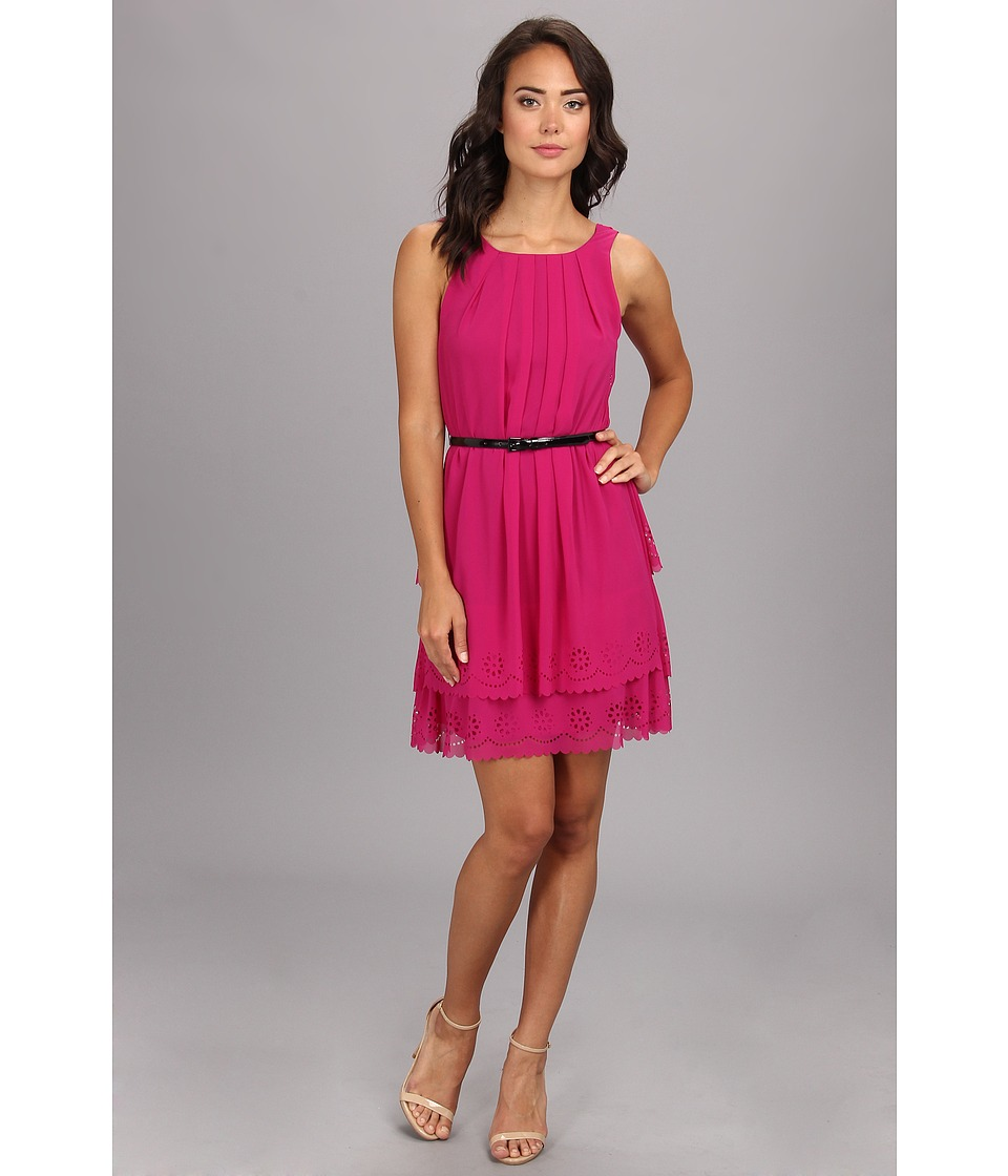 Jessica Simpson - Sleeveless Dress with Laser Cut Eyelet Trim (Fuchsia) Women