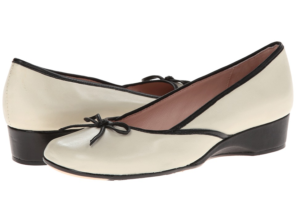 Taryn Rose Karumba (Antique White/Black) Women