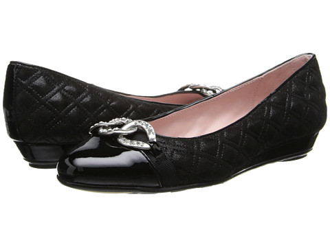 Taryn Rose - Priya (Black) Women's Plain Toe Shoes