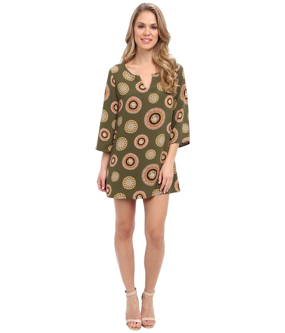 Christin Michaels Kathryn Shift Dress (Olive Medallion) Women
