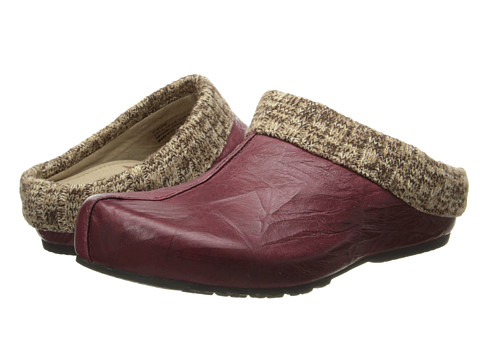 Aetrex - Krista Clog Sweater Rim (Ruby) Women's Clog Shoes