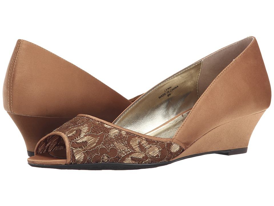J. Renee - Lynn (Brown Sugar) Women's Shoes