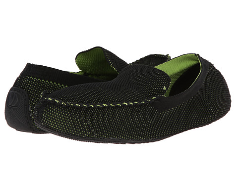 ISOTONER Signature - Mesh Enginereed Driving Moc (Black/Green) Men's Slippers
