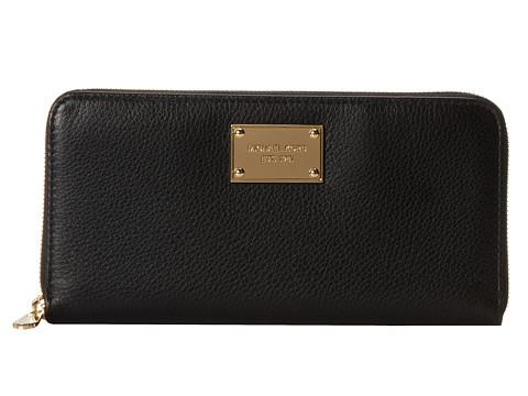 MICHAEL Michael Kors Jet Set Item Travel Wallet (Black) Wallet Handbags