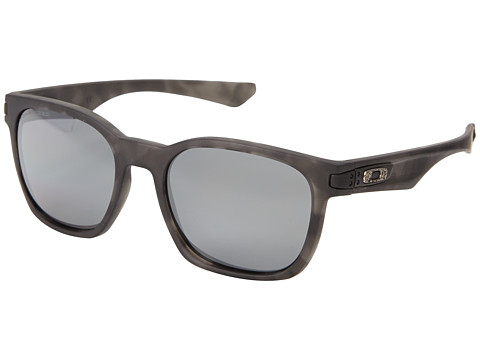 Oakley - Garage Rock (Black Iridium Polarized w/ Black Tortoise) Plastic Frame Sport Sunglasses