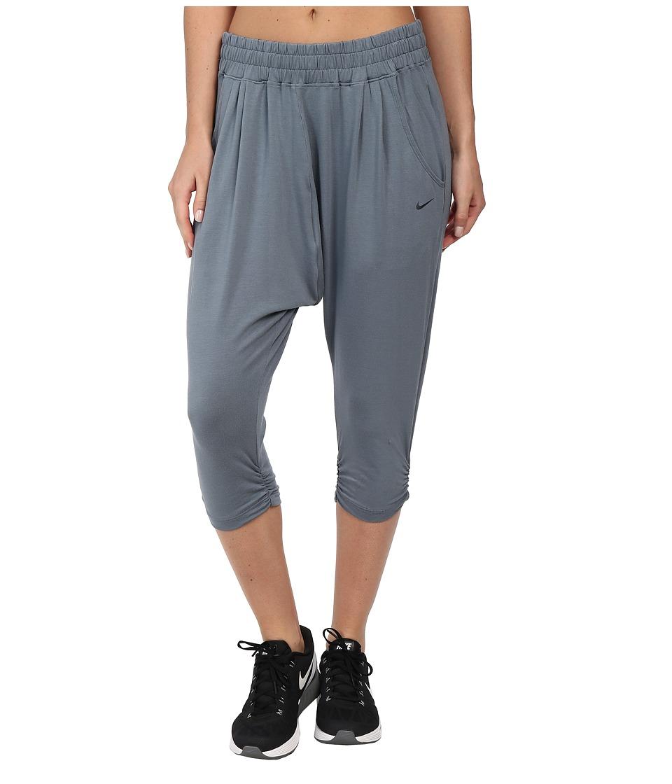 Nike - Avant Move Capri (Blue Graphite/Blue Graphite) Women's Capri