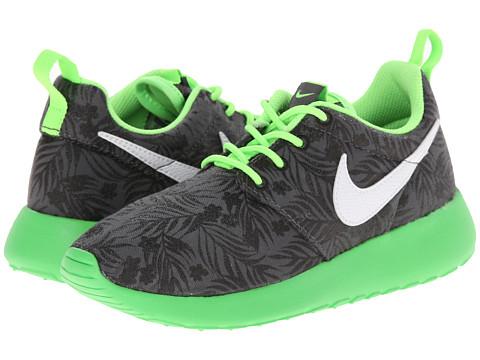 Nike Kids - Roshe Run Print (Little Kid/Big Kid) (Dark Grey/Light Green/Black/White) Boys Shoes