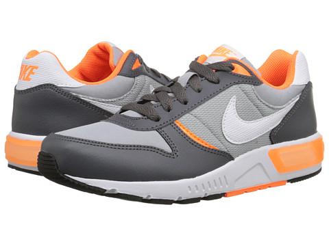 Nike Kids - Nightgazer (Big Kid) (Wolf Grey/Dark Grey/Total Orange) Boys Shoes
