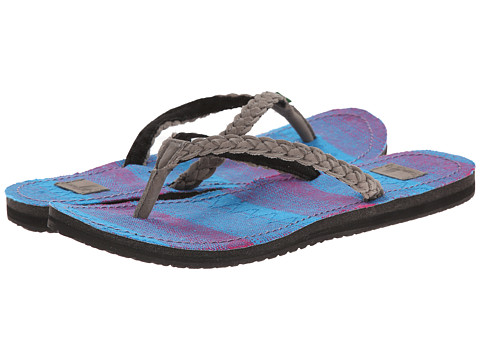 Sanuk - Poncho Viva (Charcoal/Berry Poncho) Women's Sandals