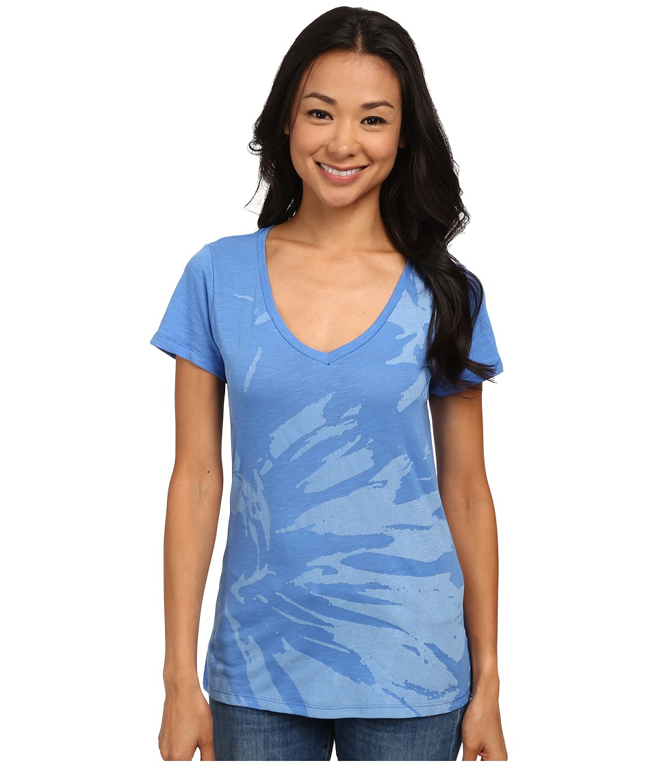 Columbia - Floral V-Neck Tee (Harbor Blue) Women's Short Sleeve Pullover