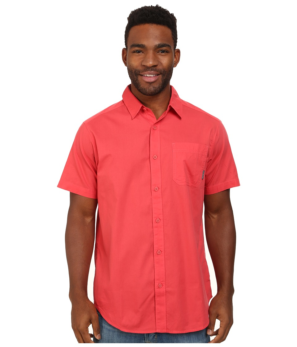 Columbia - Thompson Hill Solid S/S Shirt (Sunset Red) Men's Short Sleeve Button Up