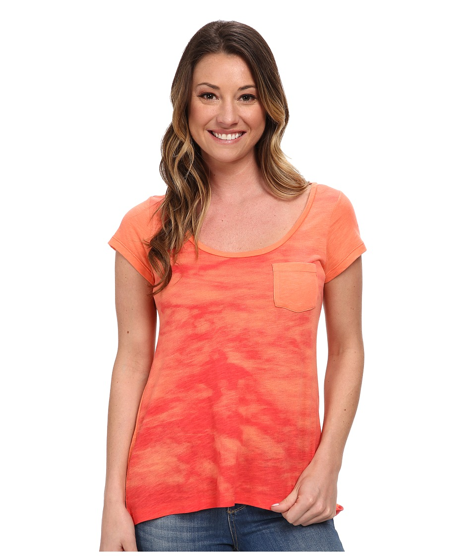 Columbia - Waves Pocket Tee (Coral Flame) Women's Short Sleeve Pullover