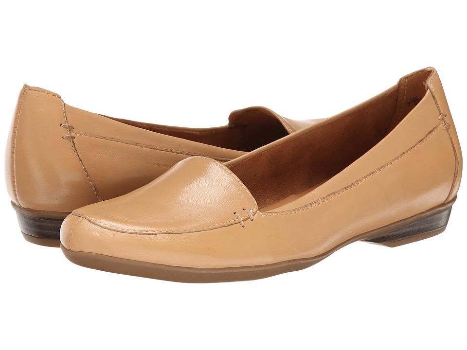 Naturalizer - Saban (Caravan Sand Leather) Women