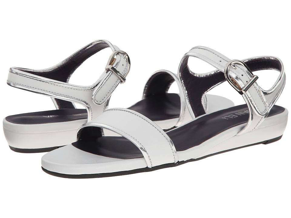 Vaneli - Baylee (White Nappa/Silver Specchio Kid/Silver Buckle) Women's Sandals