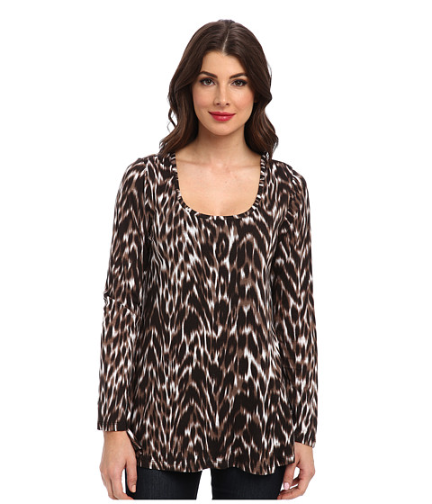 Miraclebody Jeans - Faye Animal Print Flutter Back Top w/ Body-Shaping Inner Shell (Black) Women
