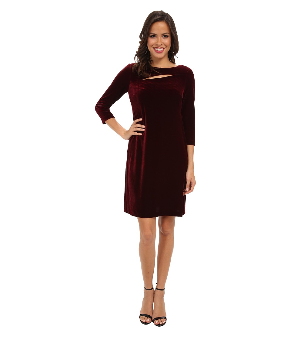 Donna Morgan - Stretch Velvet Three-Quarter Sleeve Shift w/ Asymmetrical Cut Out (Wine) Women's Dress