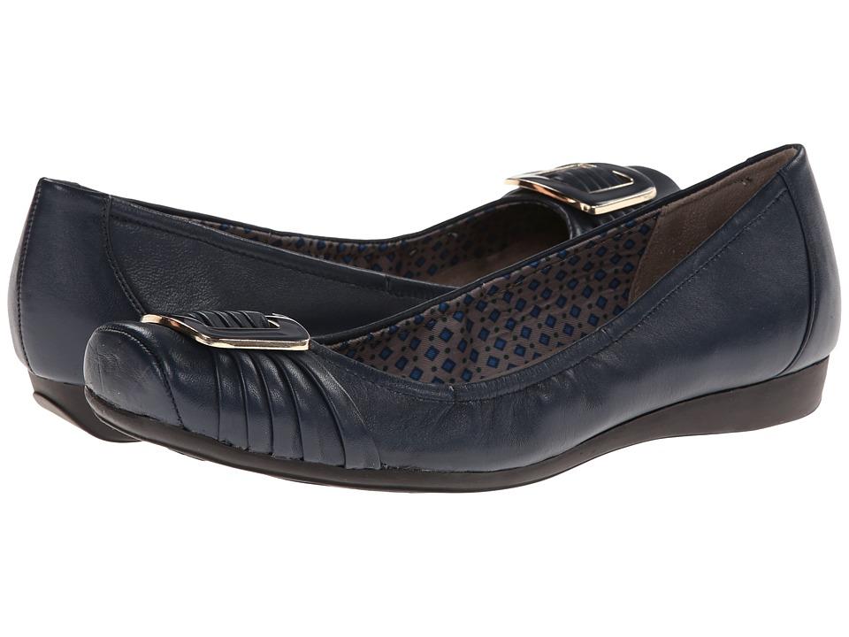 Naturalizer - Vapor (Navy Leather) Women's Flat Shoes