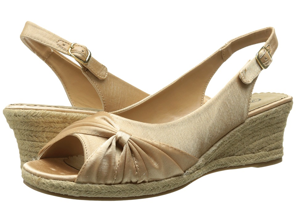 Bella-Vita - Sangria Too (Natural Silk 1) Women's Wedge Shoes