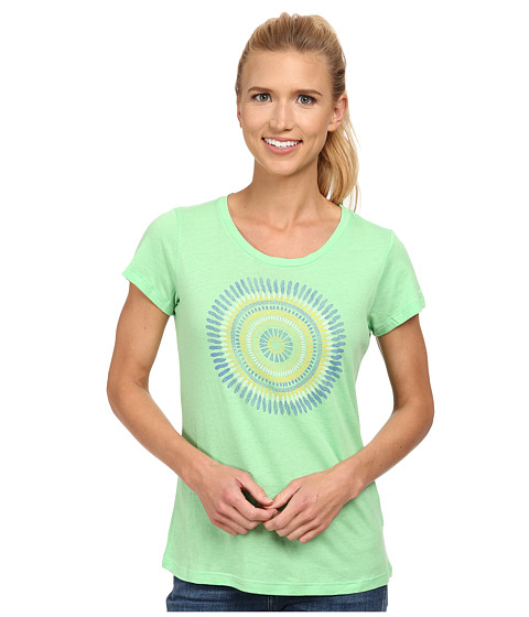 Columbia - Out and About Graphic Crew Neck Tee (Chameleon Green) Women