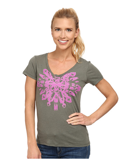 Columbia - Out and About Graphic V-Neck Tee (Cypress) Women