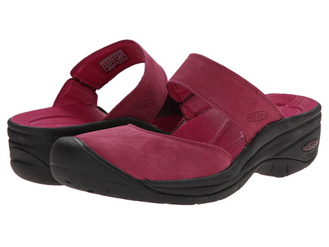 Keen - Saratoga (Beet Red) Women's Shoes