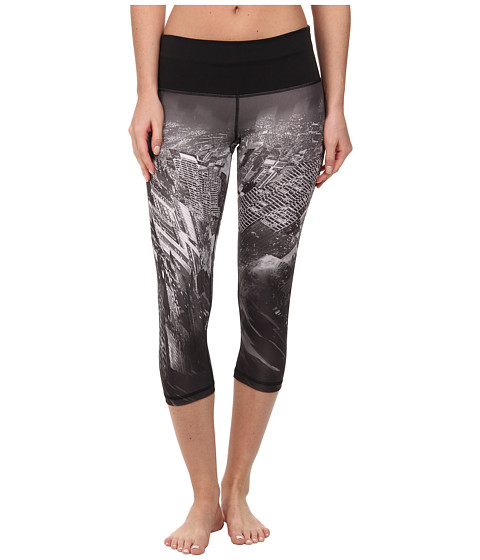 adidas - Performer Mid-Rise Three-Quarter Tight - City Print (Black Print/Grey/Matte Silver) Women
