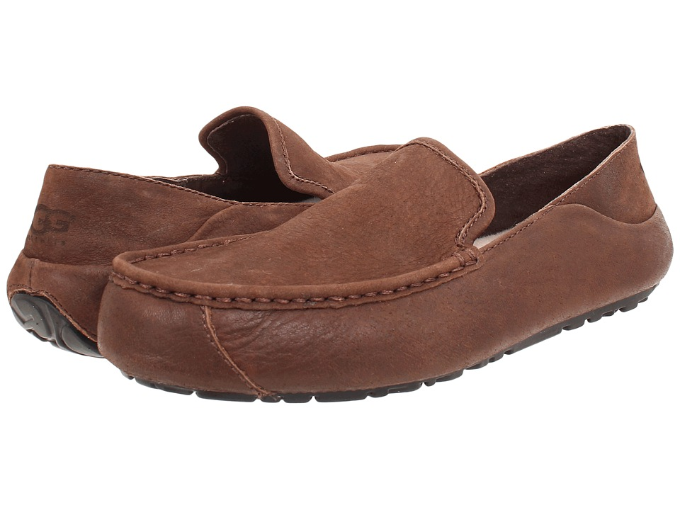 UGG - Hunley (Stout Leather) Men's Slip on Shoes