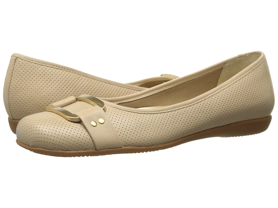 Trotters - Sizzle (Nude Soft Perf Leather) Women