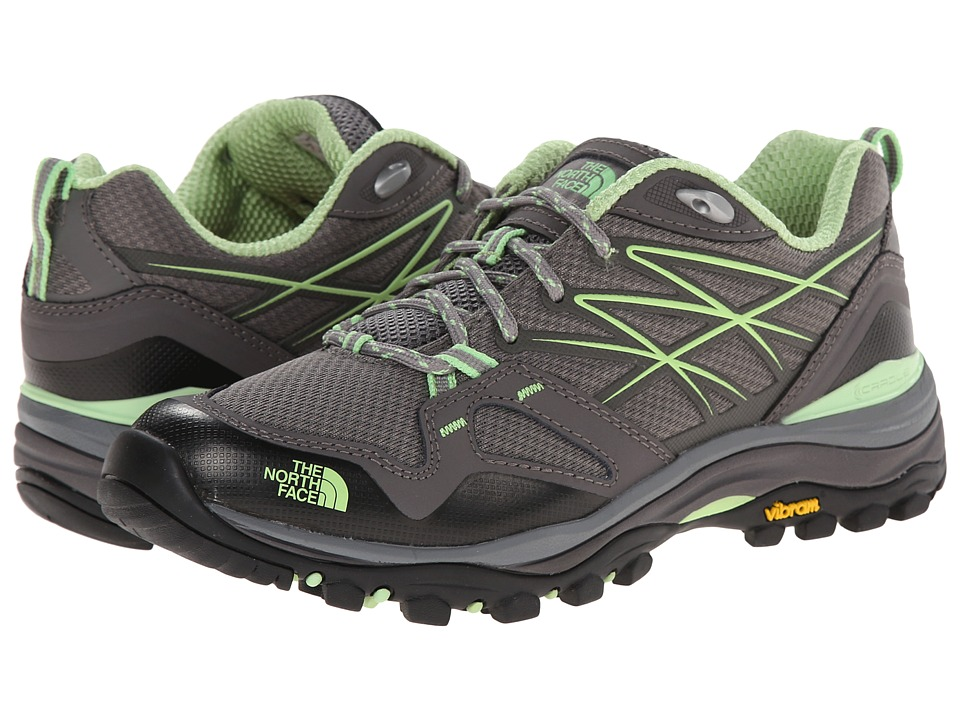 The North Face - Hedgehog Fastpack (Q-Silver Grey/Paradise Green) Women's Shoes