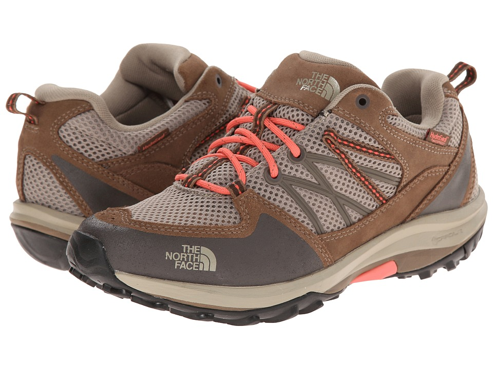 The North Face - Storm Fastpack WP (Dune Beige/Fiesta Red) Women's Cross Training Shoes